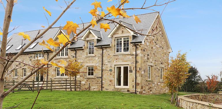 cottages next to ellingham hall, accommodation close to ellingham hall, luxury holiday cottages in Ellingham hall