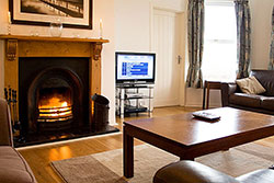 Kent Cottage - Luxury Holiday Cottage in Bamburgh - sleeps 8