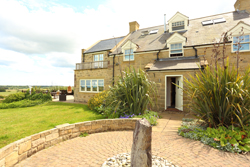 Luxury large holiday house near Bamburgh sleeps 10 pets welcome