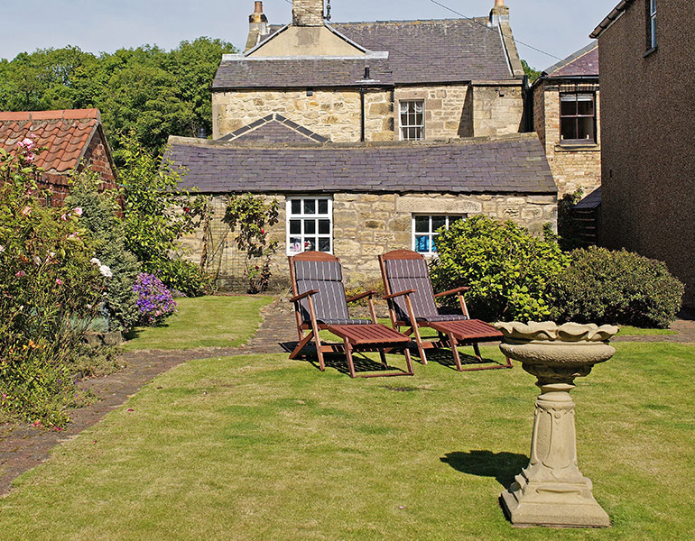 garden at coquet view in warkworth, luxury holiday cottage with real fire
