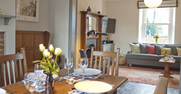 luxury self catering holiday cottage in alnwick gardens and castle accommodation in alnwick