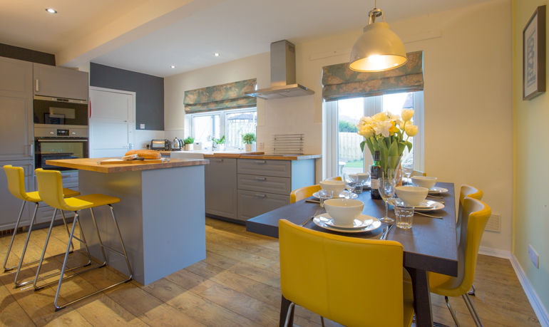 Luxury Holiday Cottage in Craster - Crabcake Cottage - book via Coquet Cottages