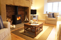 honeycomb cottage near warkworth, cosy cottage sleeps 4 romantic cottage for couples, dog friendly holiday cottage, winter cottage with log burner