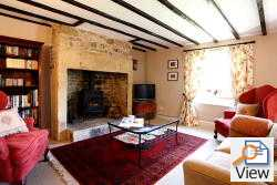 throstle cottage in lesbury, country cottage with wood burning stove, dog friendly holiday cottages