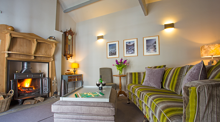 orchard house barn lounge, cosy cottages for couples with an open fire, the rat annick, places to stay near corbridge, dog friendly b&b's in corbridge