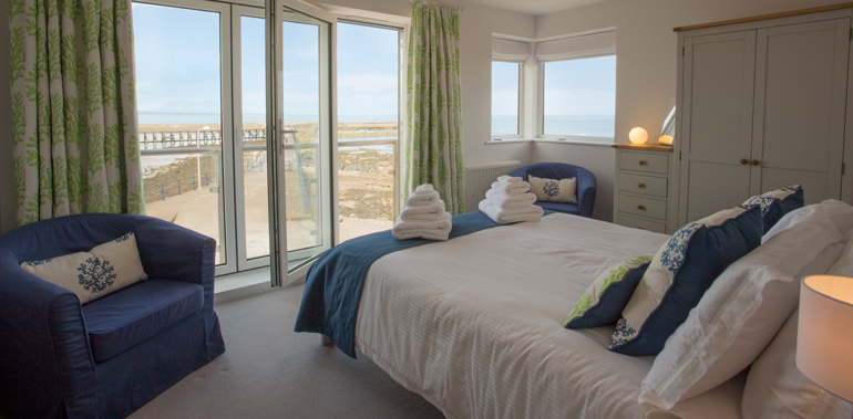 bay view in amble, holiday cottages in amble, holiday cottages on the sea front northumberland, cottages with views northumberland