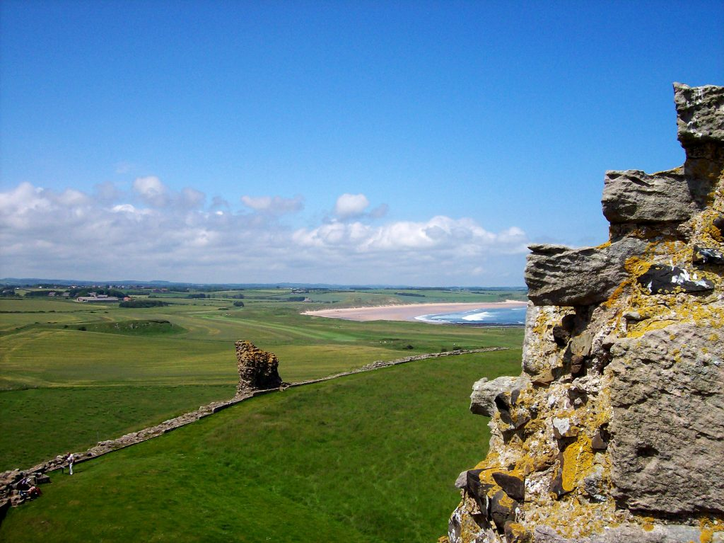 dunstanburgh-castle-holiday-northumberland-beaches-coastal