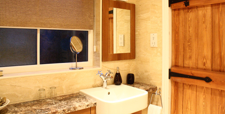 cowslip_cottage_luxury_bathroom_family_holiday_in_northumberland