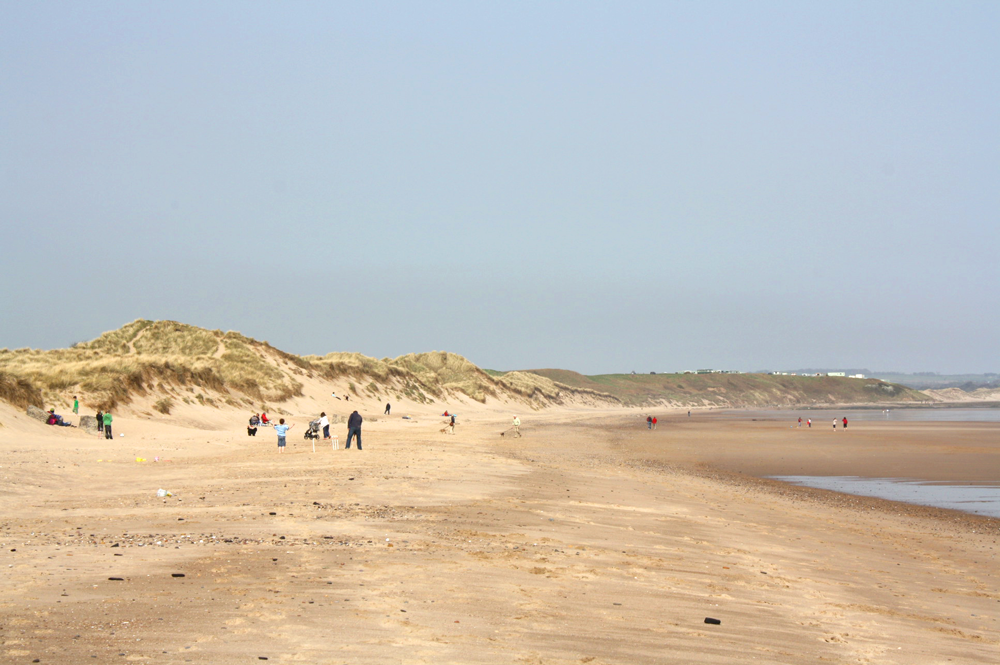 warkworth-beach-summer-family-dog-seaside-harbour-amble-alnwick-northumberland