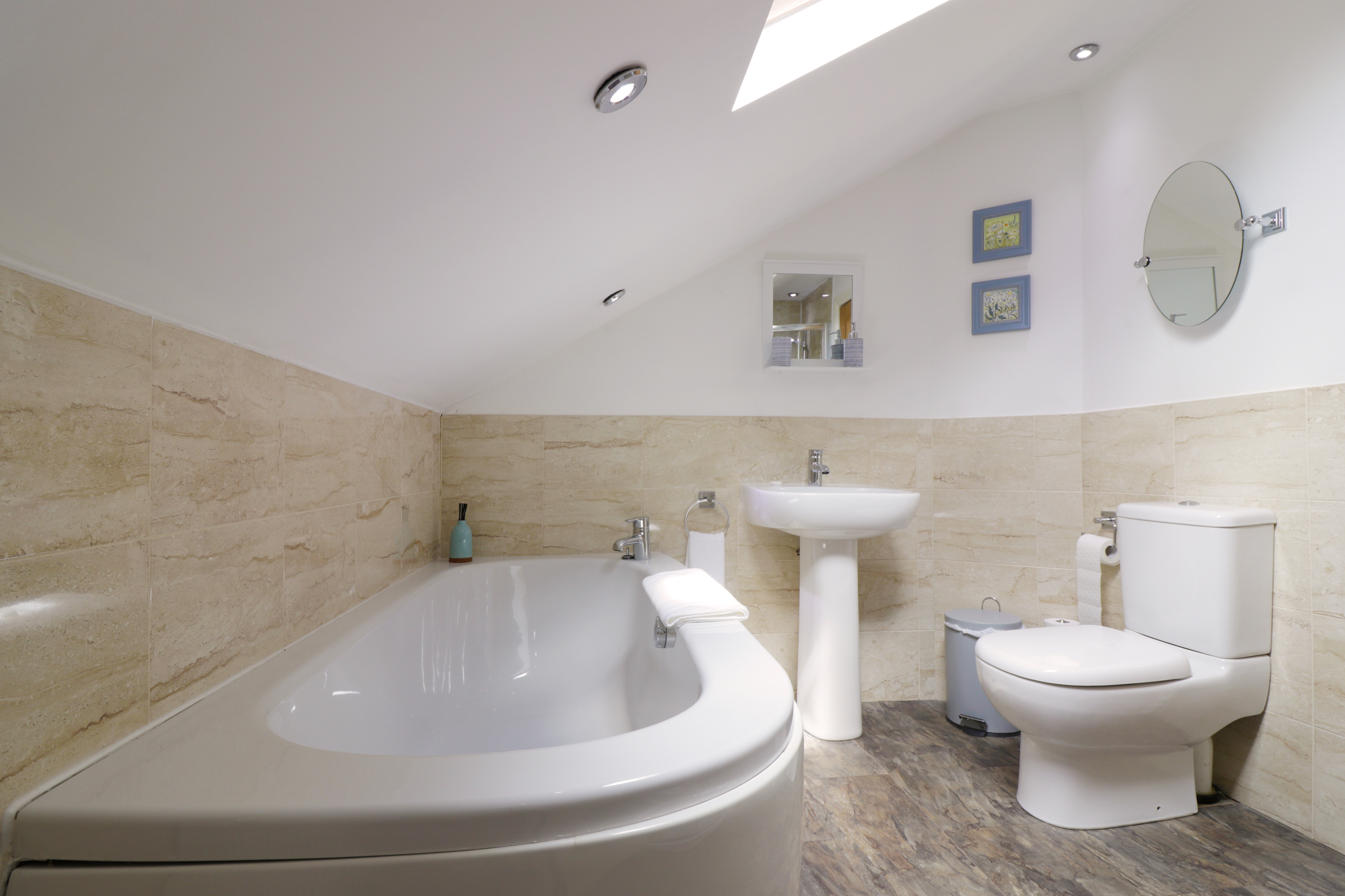 luxury holiday cottages with bath in countryside with great walks Northumberland