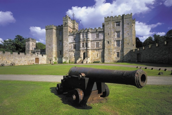 Explore Chillingham Castle. Stay in Norrthumberland Luxury Country Cottages