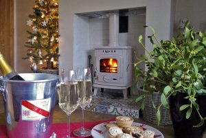 cottages at christmas for couples pet friendly, pet free holiday cottages for couples at christmas