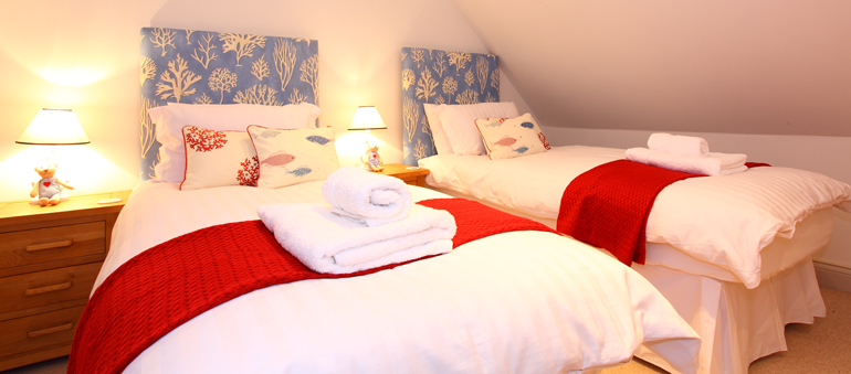 sandpiper_twin_bedroom_family_friendly_nr_bamburgh