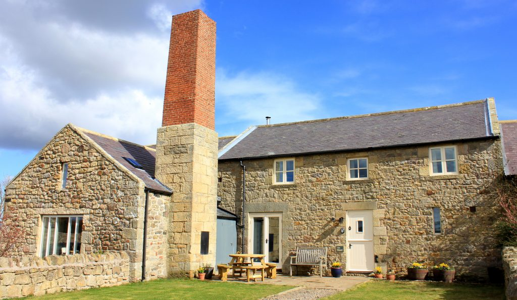 cottage_northumberland_chatton_accepts_dogs_close_to_bamburgh