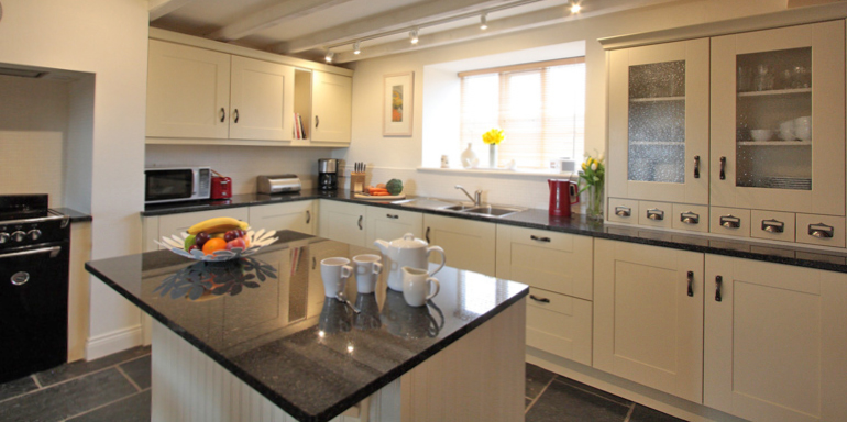 luxury holiday cottages in the northumbrian countryside cheviots near to Bamburgh pet free with wood burning stove