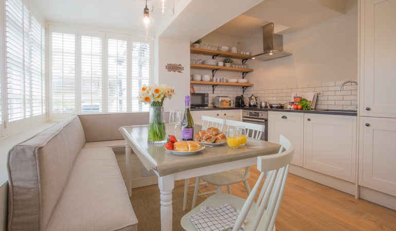 Luxury kitchen in Grace Cottage, cottages for rental in Bamburgh village, cottages suitable for allergy sufferers in Bamburgh village, cottages in centre of Bamburgh close to the beach