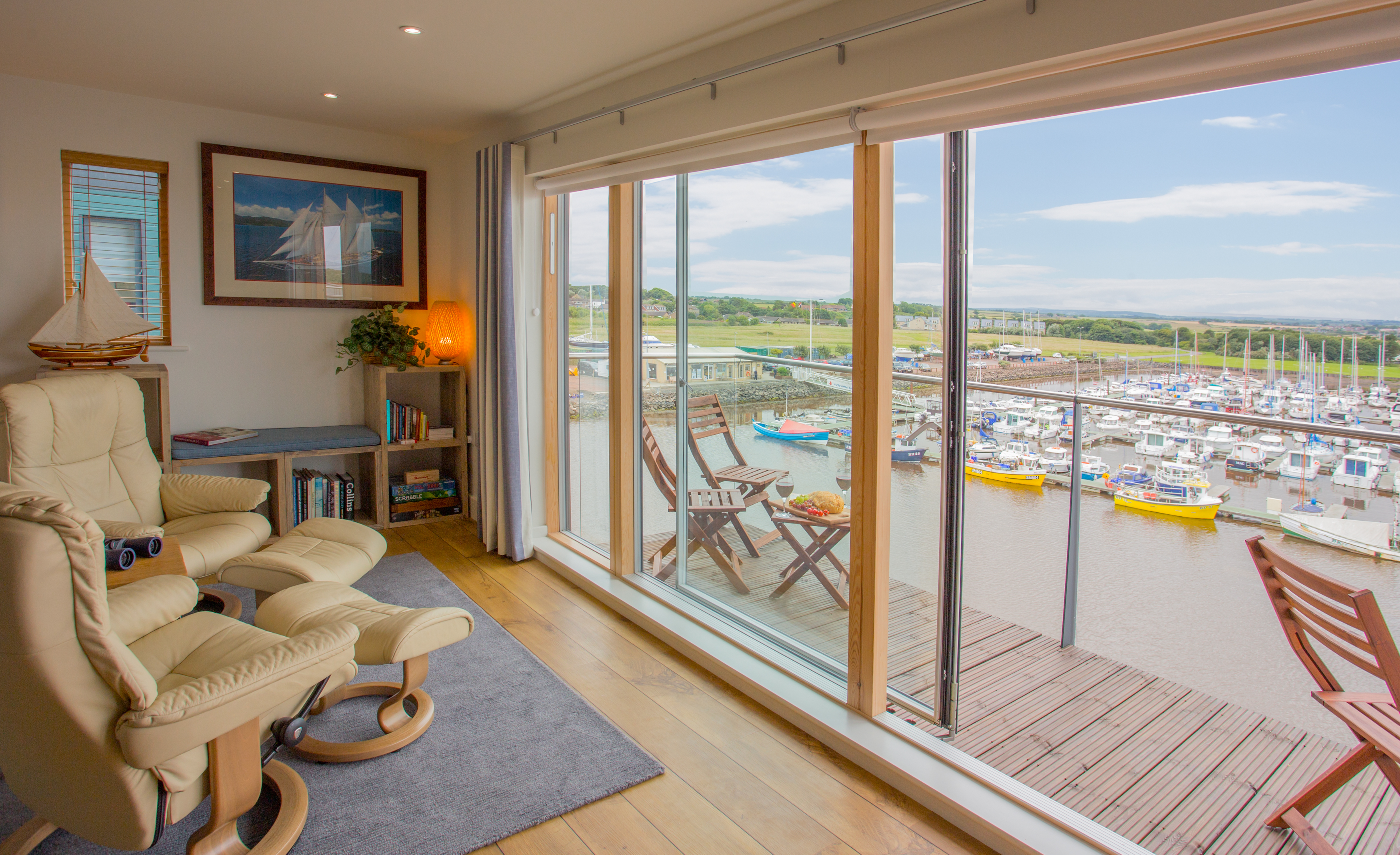 seafarer in amble luxury apartment with sea views