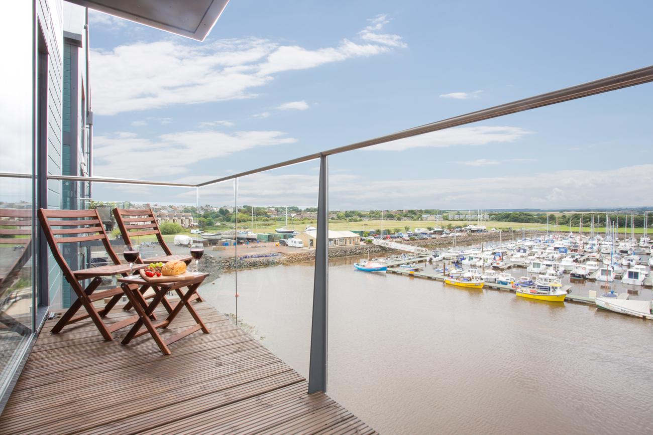 seafarer luxury 5 star apartment in amble with coastal sea marina views