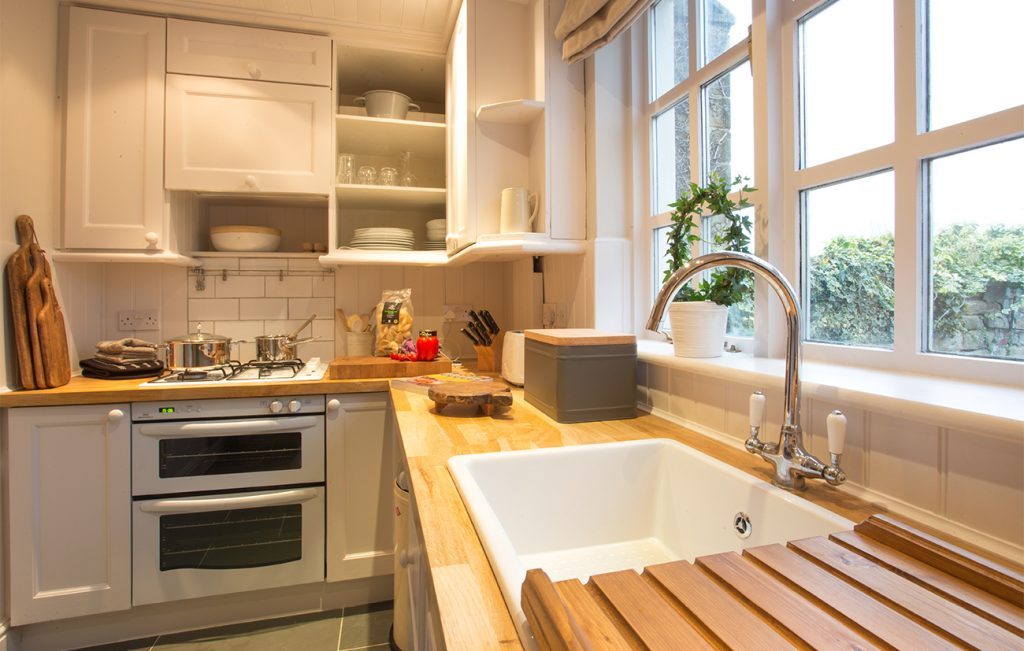 self catering holiday cottages with gorgeous kitchens for 6 guests pet free