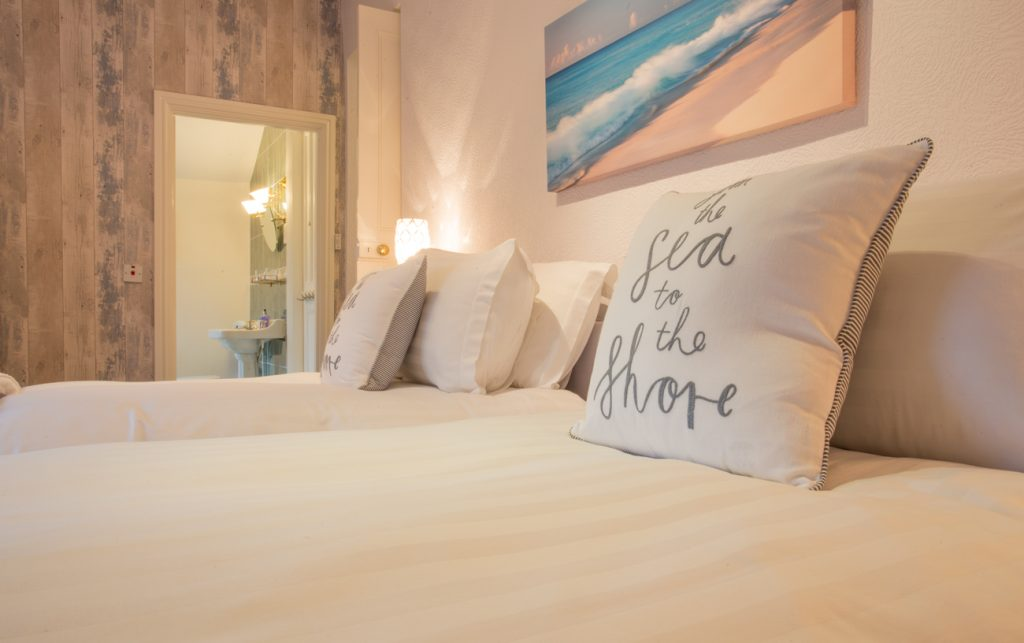 cottages_northumberland_seahouses_dog_friendly_available_sleeps_11_bamburgh_available