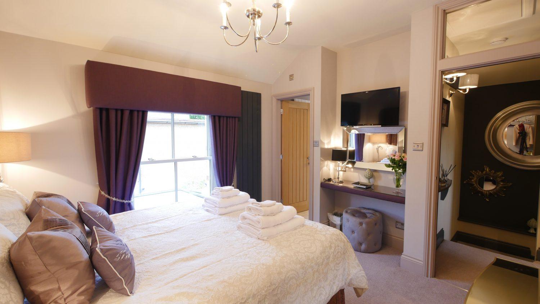 Honeybee luxury holiday cottage 5 star accommodation in northumberland